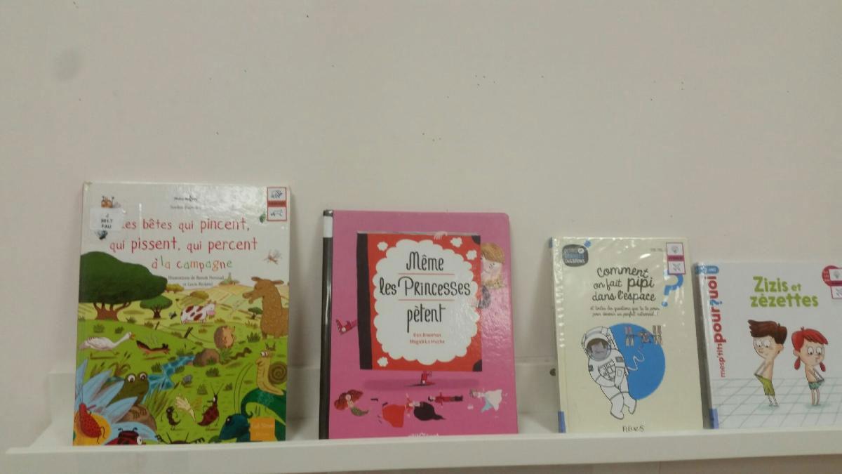 étagère enfants bibliothèque de Saillans